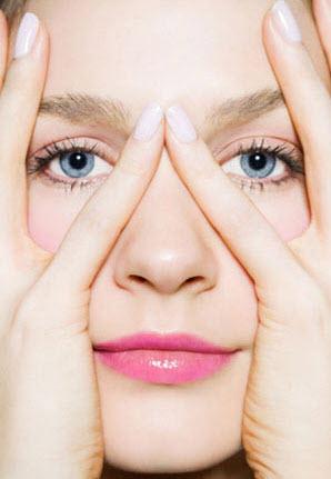 как предотвратить появление отеков под глазами
